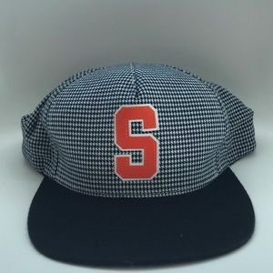 SUPREME snapback cap